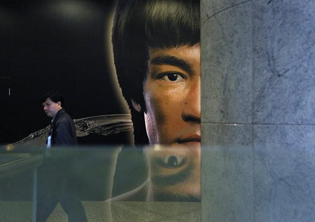 NBA传奇球员:塔伦蒂诺新电影塑造的李小龙有种族主义者色彩