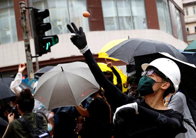 成千上万名香港教师参加抗议活动(资料图片)