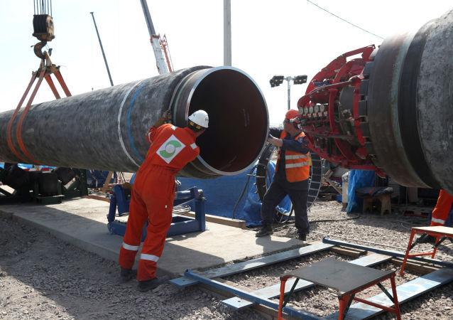 """美国和罗马尼亚两国总统表示反对""""北溪-2""""项目"""