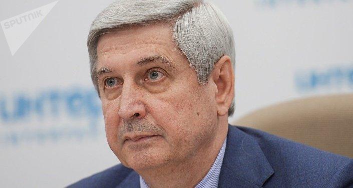 伊万·梅利尼科夫在莫斯科举行的新闻发布会上