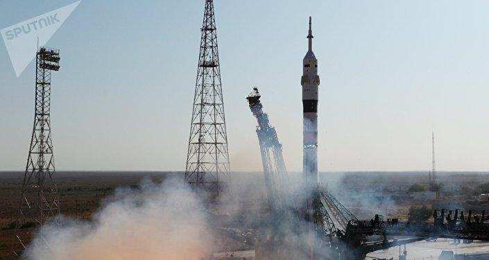 Запуск ракеты-носителя Союз-2.1а с пилотируемым кораблем Союз МС-14 со стартовой площадки космодрома Байконур.