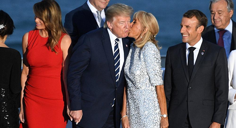 特朗普吻马克龙夫人 梅拉尼娅不甘示弱吻特鲁多