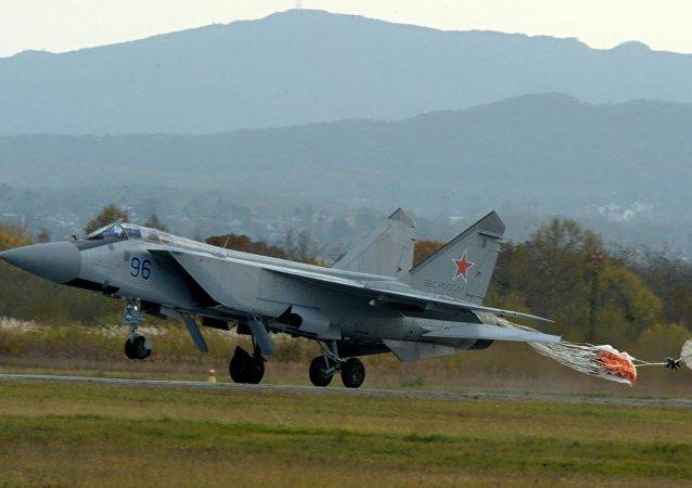 米格-31战机在乌格洛瓦亚中央军用机场