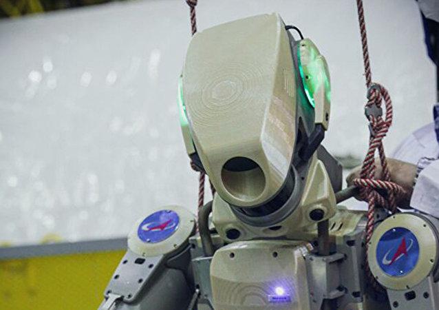 """""""费奥多尔""""机器人"""