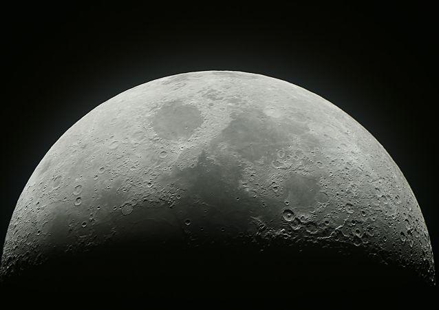 俄不应独自发展月球项目 需与美国或中国合作