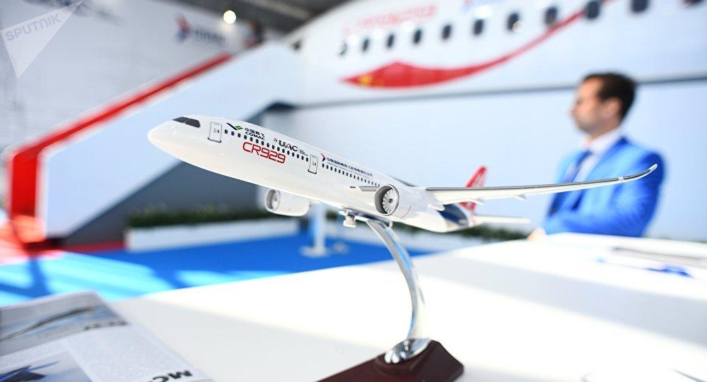 俄工贸部长:将在俄设立CR929飞机工程中心 分支机构将设在上海
