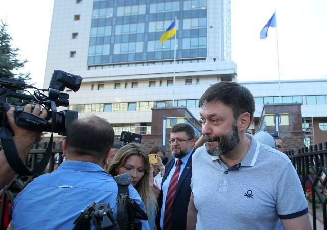维辛斯基称获释后计划看望父亲并在法院讨回公道