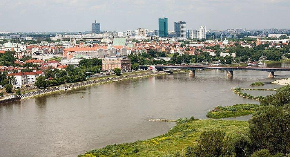 波兰总统委员会成员称美国政府是笨蛋