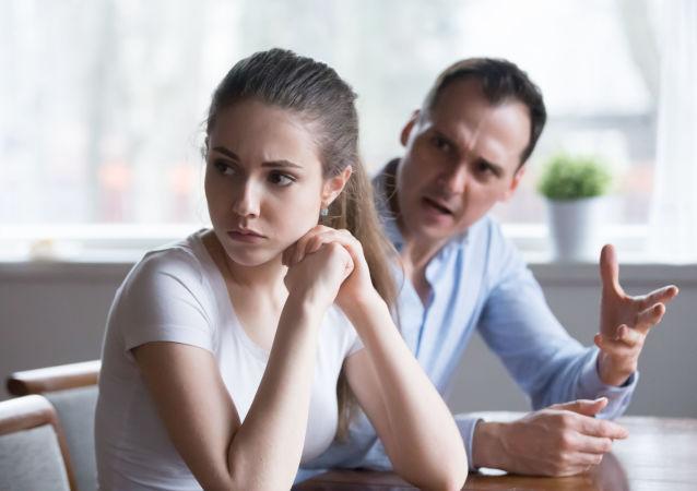 美国教授预测:离婚率会因新冠病毒大流行上升