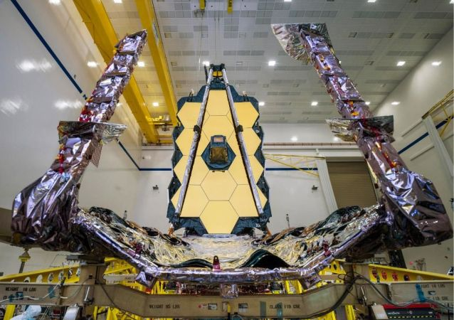 Полностью собранный космический телескоп Джеймса Уэбба
