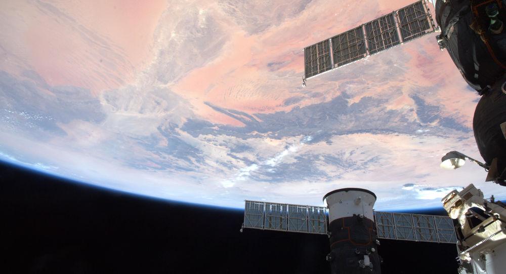 俄宇航员在国际空间站成功打印用于移植的大鼠骨组织