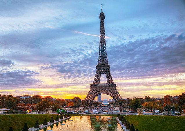 法国收紧移民政策