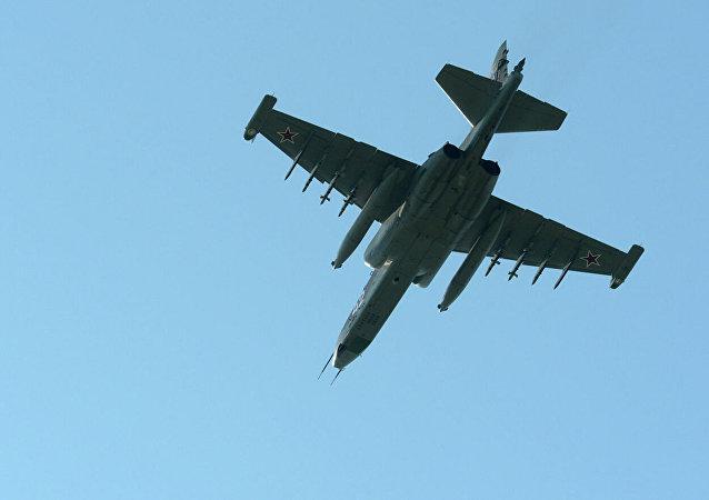 苏-25UB战机