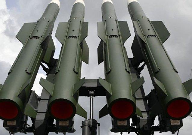 """战略和技术分析中心:俄吉正讨论供应""""山毛榉-M1""""防空导弹系统和米-8直升机的问题"""