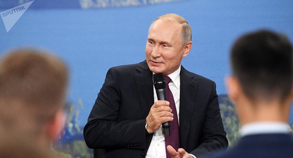 普京将于下周在达沃斯论坛上发言