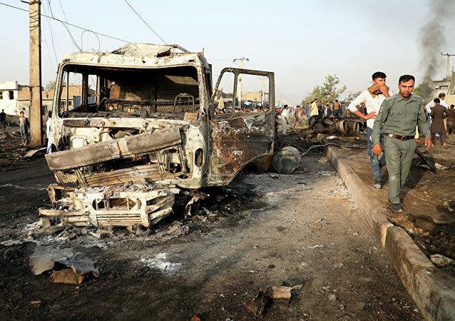 媒体:喀布尔一辆载有国家公职人员的大巴发生爆炸 致3死12伤