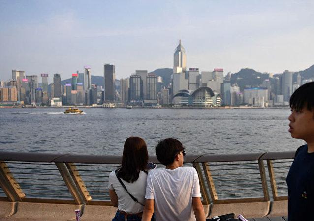 中国国防部:驻港部队有信心有能力维护香港长期繁荣稳定