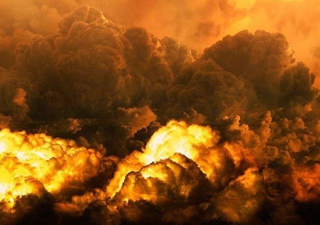 伊朗油轮在沙特海岸附近起火可能是因为被两枚导弹击中