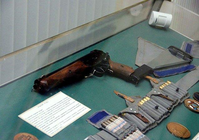 TP-82特制的三管手枪