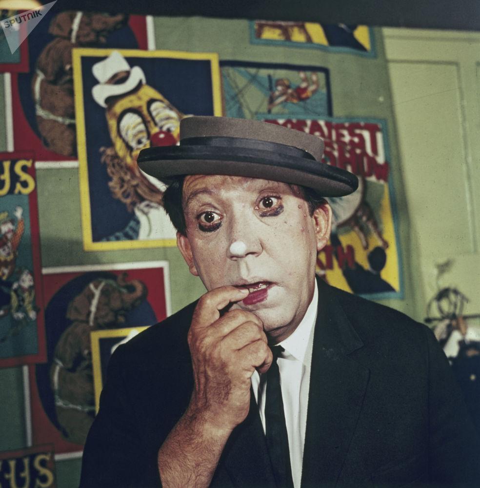 马戏演员尤里∙尼古林。1974年