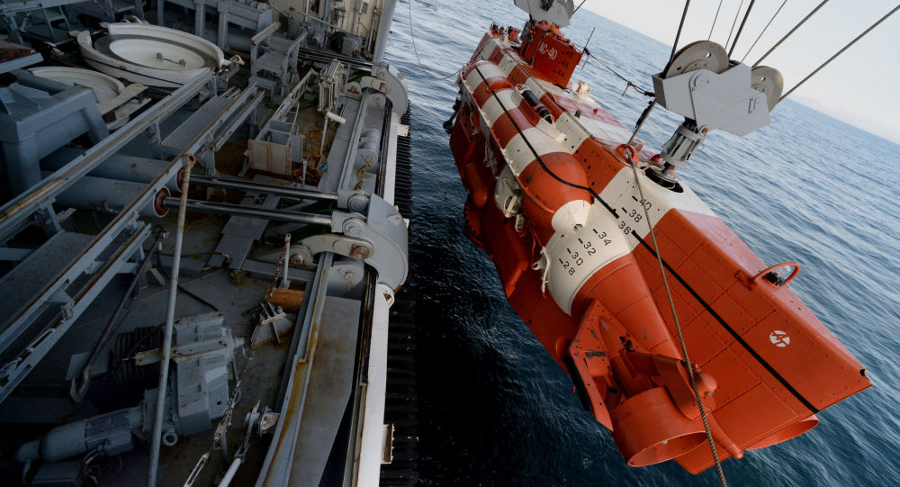 """俄太平洋舰队救援力量在日本海举行""""联盟""""号飞船返回舱搜索和疏散演习"""