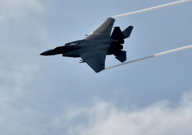 日本F-15架战斗机