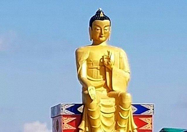欧洲最大弥勒佛像揭幕仪式在俄罗斯卡尔梅克共和国举行