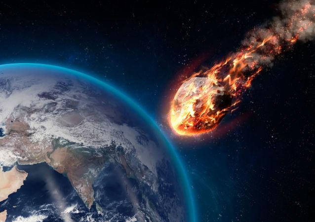 """澳大利亚沙漠上空的火球或为""""小月球"""""""
