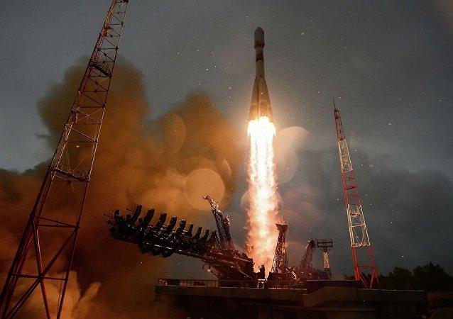 """""""格洛纳斯""""导航卫星从普列谢茨克航天发射场升空入轨"""