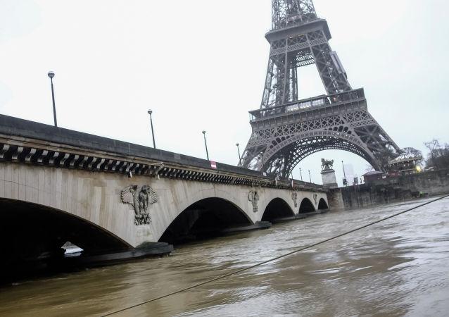 日本游客价值84万美元手表在巴黎被抢