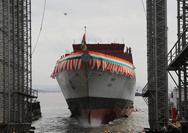 印度海军一艘隐形护卫舰下水