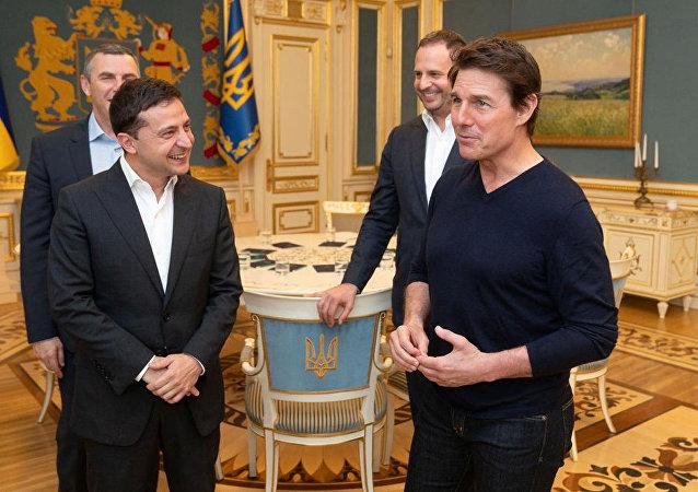 乌总统泽连斯基会见阿汤哥
