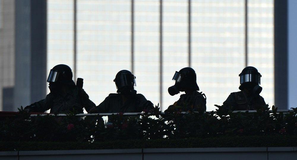 香港警方检获大量武器及危险品 拘51人