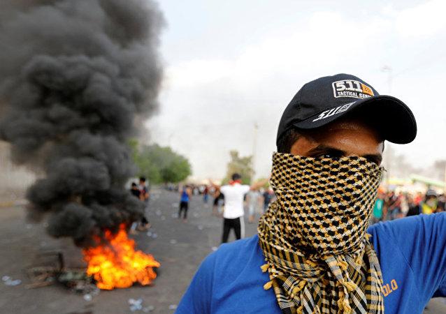 """伊拉克议会""""行走者联盟""""党团加入反对派"""