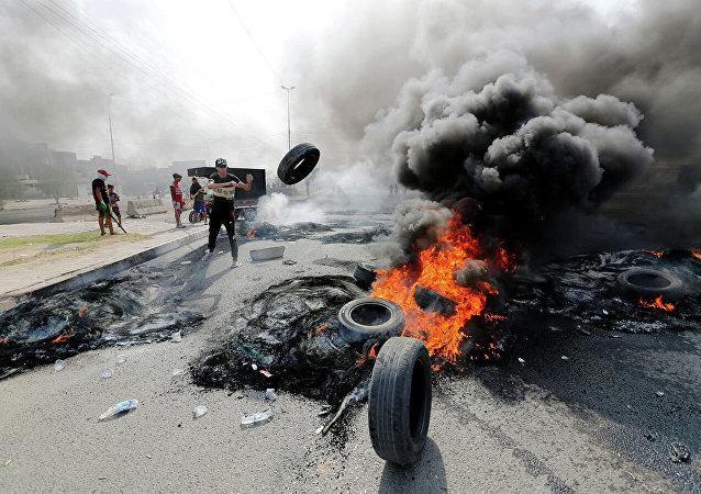 消息人士:伊拉克骚乱死亡人数升至31人 近1200人受伤