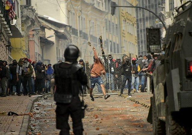 厄瓜多尔爆发示威警方抓捕人数升至350人