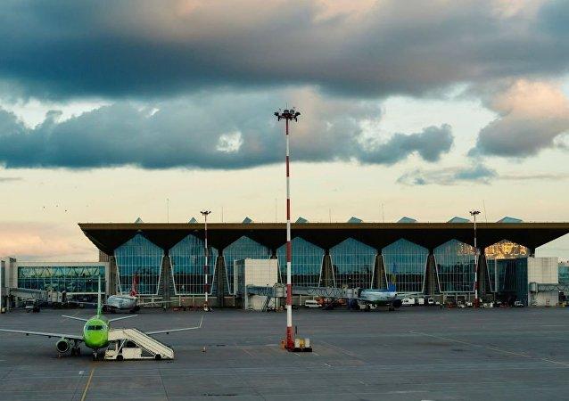 普尔科沃国际机场