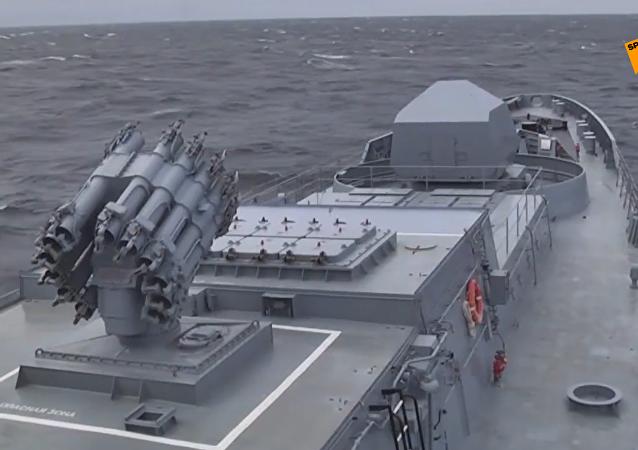俄潜艇在黑海发射口径导弹