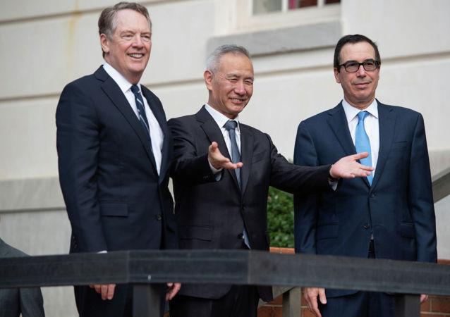 中国国务院副总理刘鹤到达美国贸易代表处办公室参加高层贸易谈判