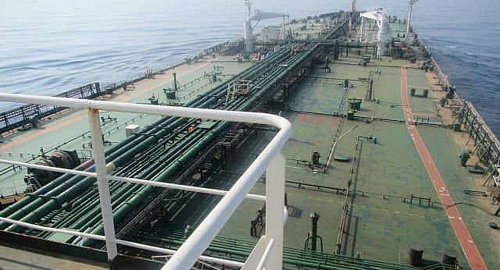 5艘伊朗油轮中的第一艘抵达委内瑞拉