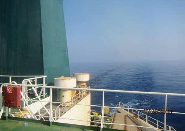 伊朗总统称当局掌握伊油轮在红海遇袭瞬间的录像