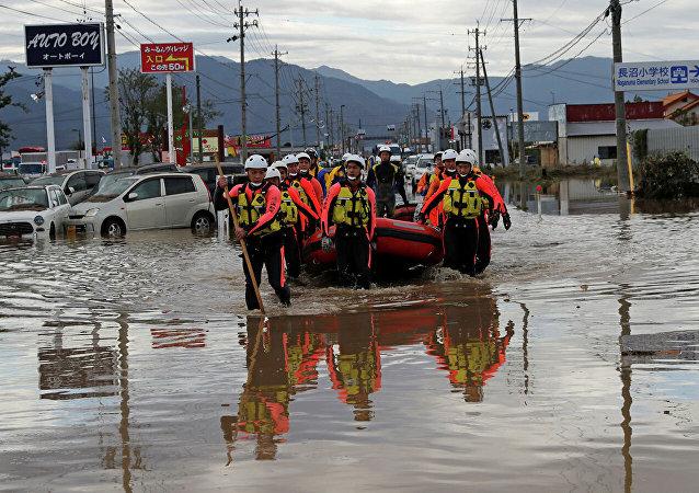 """日本政府将台风灾区指定为""""紧急灾害""""地区"""