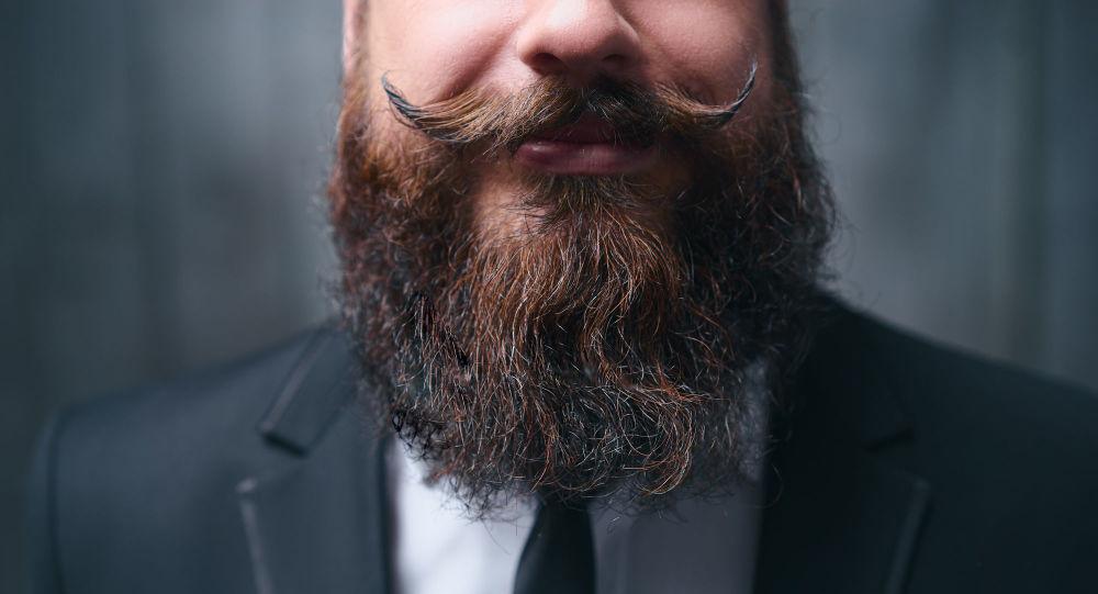 俄医学专家警告留胡子更易感染新冠病毒
