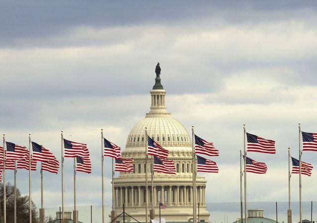"""美国参议院支持认定俄罗斯为""""恐怖主义资助国"""""""