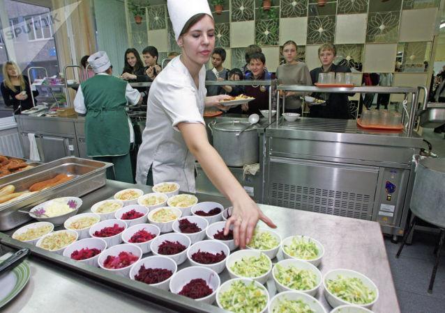 俄总理命令公共餐饮业和度假村暂停运营