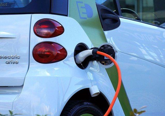 外媒:中国电动车充电站数量正赶超美国