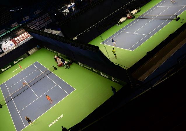 俄选手鲁布廖夫赢得克里姆林宫杯网球比赛