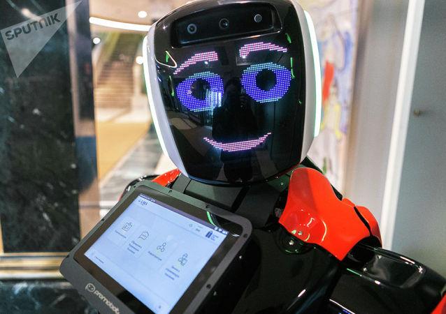 俄初创企业Promobot明年拟向中国出口50万美元的服务机器人