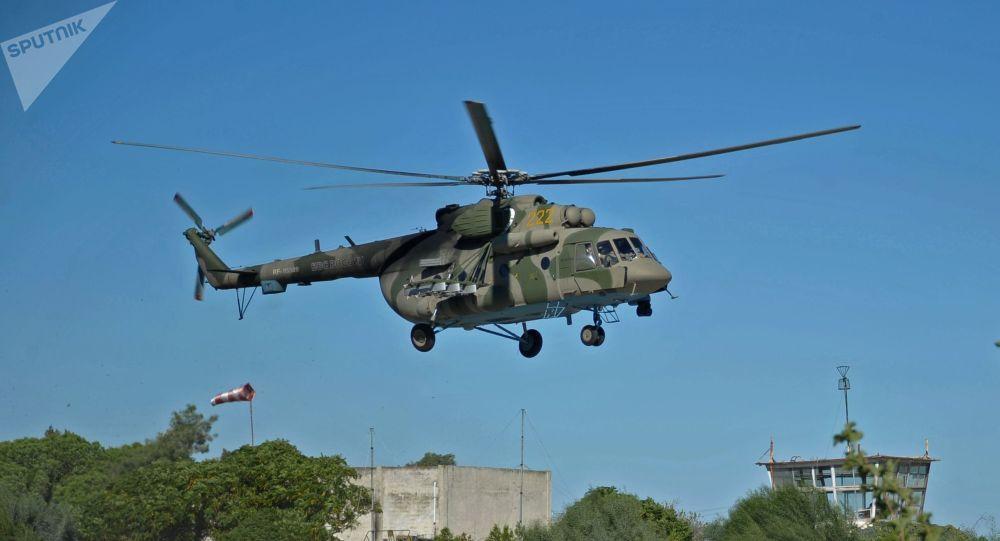 俄驻叙利亚海军和空天军部队举行联合演练