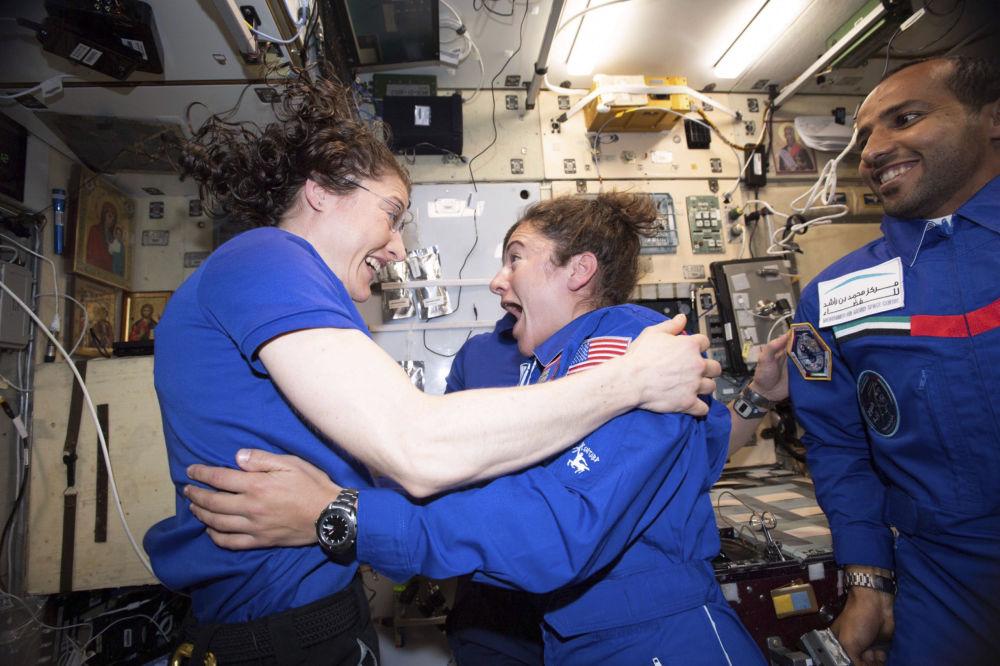 国际空间站首次全女性太空行走